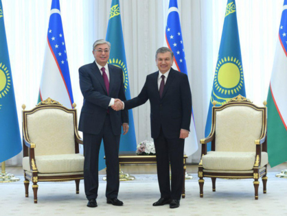Шавкат Мирзиёев и Касым-Жомарт Токаев провели встречу в узком формате