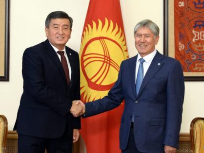 Сооронбая Жээнбекова обвинили в скрытой поддержке Алмазбека Атамбаева