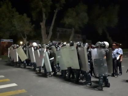 Беспорядки в Бишкеке: пострадали 52 человека