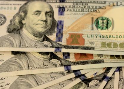 Физические лица на таможне в ЕАЭС будут обязаны разъяснять происхождение сумм свыше $100 тыс.