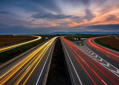 Инвестиции Китая в автодороги и водные пути выросли на 3,7% в январе-августе
