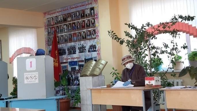 Бишкек: Окончательные итоги голосования будут подведены на основе ручного подсчета
