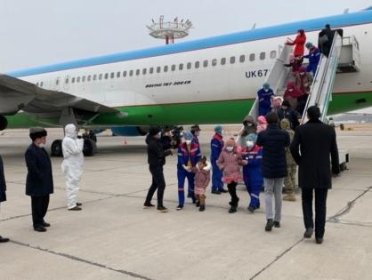 В Узбекистан вернули из Сирии 98 женщин и детей