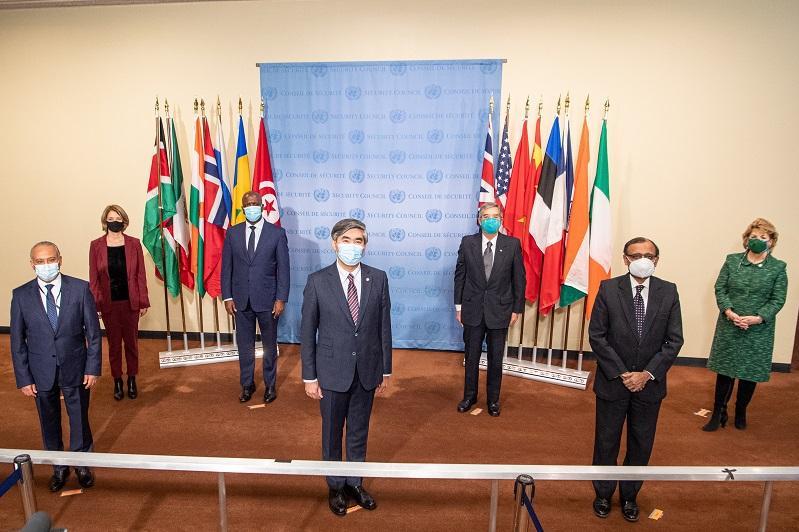 Казахстан провел церемонию установки флагов новых членов Совета Безопасности ООН в Нью-Йорке