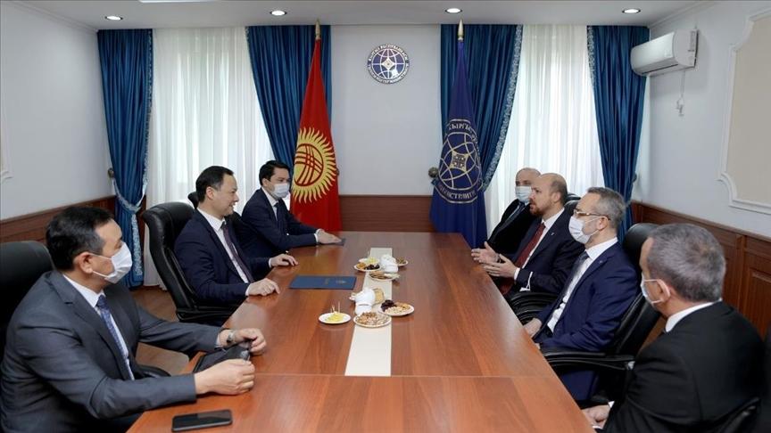 Глава МИД Кыргызстана принял председателя Всемирной конфедерации этноспорта