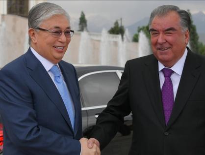 Президенты Казахстана и Таджикистана обсудили пути сотрудничества