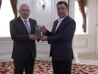 Kırgızistan Cumhurbaşkanı Sadır Caparov TRT ve TRT AVAZ'a Açıklamalarda Bulundu